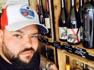 Winepunk, Winzer, Wildschweindompteur